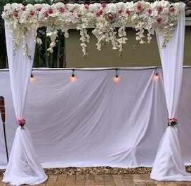 Classic Arch With Flower Bar