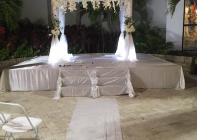 Classic Canopy with our silk flower bar