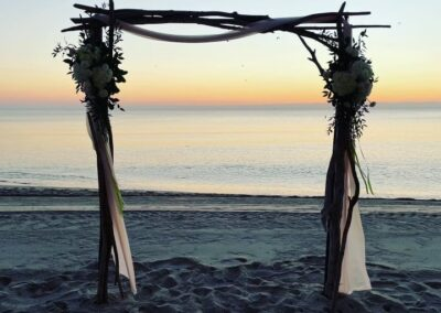 branchy-arch small arrangements miami beach wedding rental